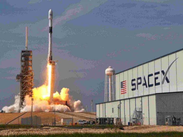SpaceX ve Roket İnşası Denemeleri