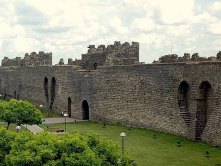 Diyarbakır Kalesi ve Hevsel Bahçeleri Kültürel Peyzajı (Diyarbakır)